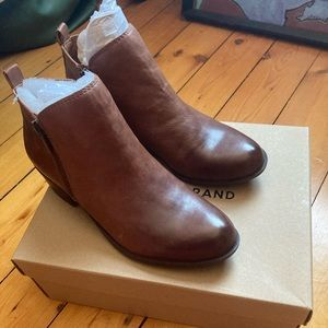 NWT Lucky Brand Basel toffee Barillos ankle boots